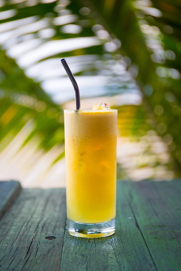 8 Top tips on how to go plastic-free - Reusable straws