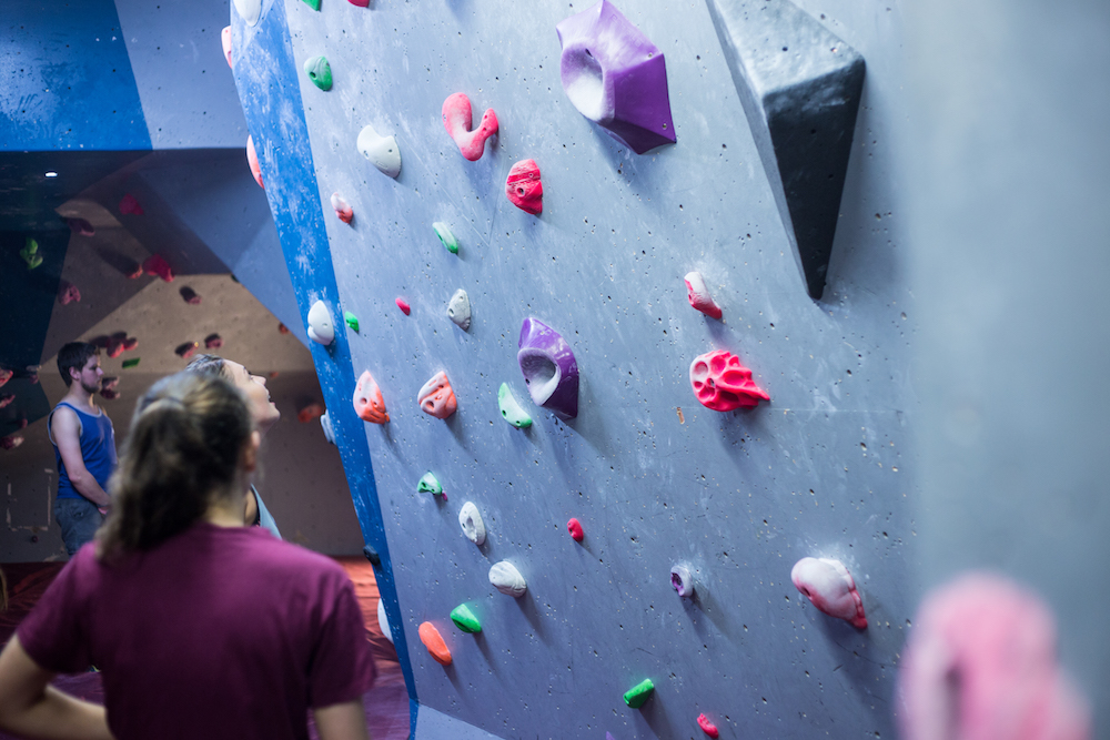 Beginners guide to indoor climbing - What are routes and 'problems' in climbing?