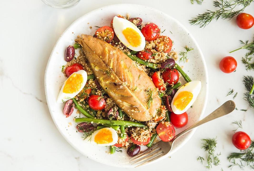 smoked mackerel nicoise with dill quinoa