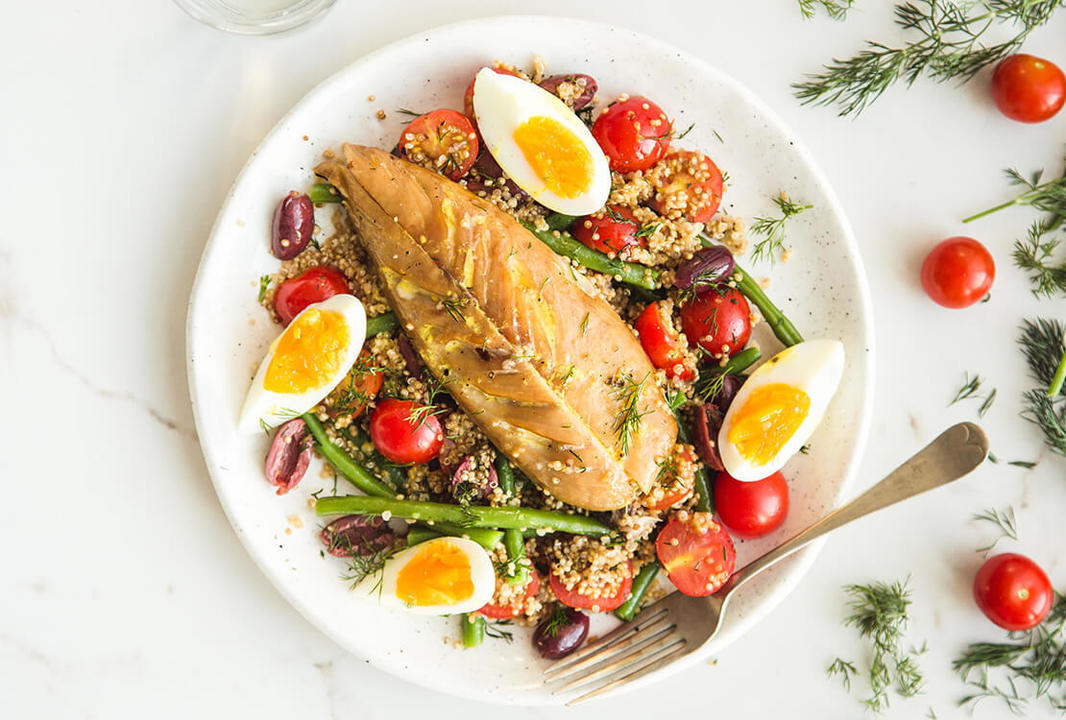 smoked mackerel nicoise with dill quinoa