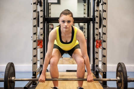 Girl-lifting-weights.jpg