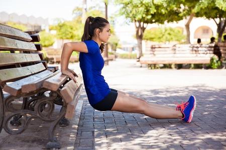 girl-doing-tricep-dip-on-bench.jpg